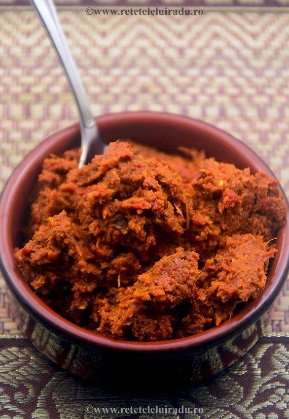 Pastă masala - bază de asezonare pentru curry-urile indiene